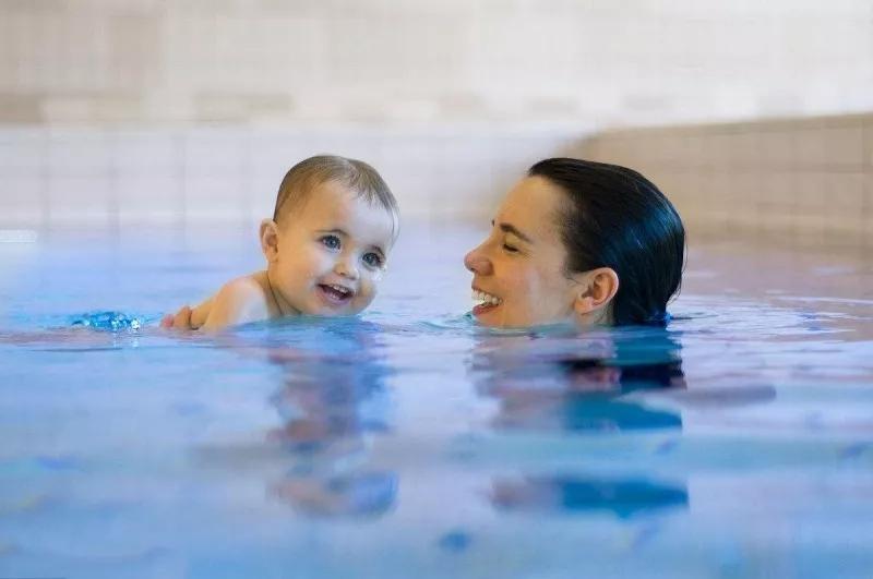 婴儿游泳馆,婴儿游泳,婴儿游泳加盟,婴儿游泳训练,婴儿亲子游,亲子游,亲子游泳馆加盟,亲子游加盟