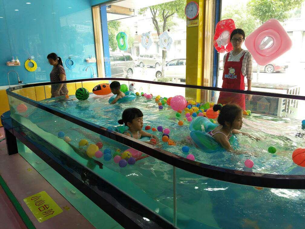 婴儿游泳馆加盟 母婴店加盟 婴儿游泳池 儿童游泳池 宝宝游泳池 婴儿游泳设备