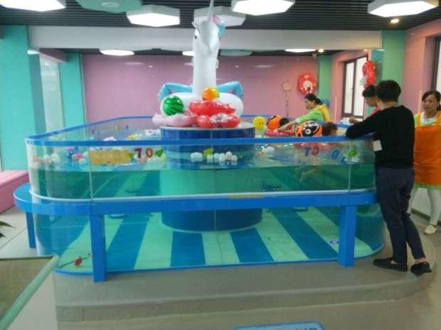 泑泑贝国际水育乐园,婴幼儿游泳馆加盟,儿童游泳馆加盟,水育早教加盟,宝宝游泳馆加盟,亲子游加盟,儿童室内水上乐园加盟,婴泳SPA馆加盟,加盟热线:400-021-6318